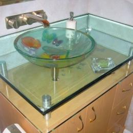 custom_glass_sink_vanity_interiordesign_saratoga